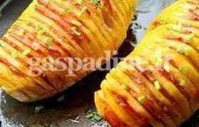 Bulvės su lašinukais ir pikantišku padažu