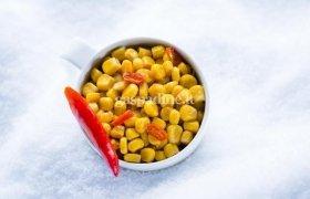 Karštieji kukurūzai su aitriosiomis paprikomis (2 porcijos)