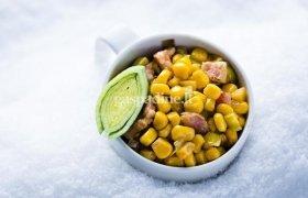 Karštieji kukurūzai su šonine ir porais (2 porcijos)