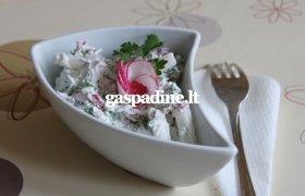Grūdėtos varškės salotos