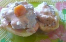 Įdarytos bulvės su mėsa