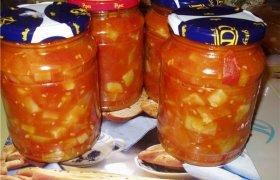 Cukinijų ir pomidorų mišrainė žiemai