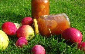 Slyvų ir obuolių uogienė