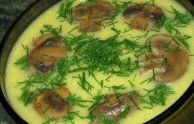 Cukinijų, grybų ir sūrio sriuba