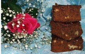 Šokoladinis lazdyno riešutų pyragas