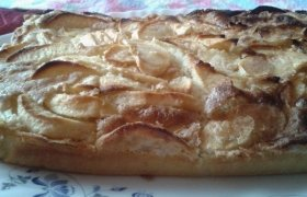Greitai paruošiamas bei skanus obuolių pyragas