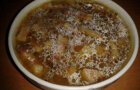 Džiovintų grybų sriuba su rūkyta šonine