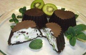 Šokoladiniai  pyragėliai su varške