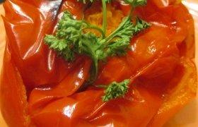 Kalakutiena įdaryta paprika su morkomis