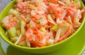 Skanios morkų ir saliero salotos