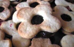 Greiti sausainiai su uogiene