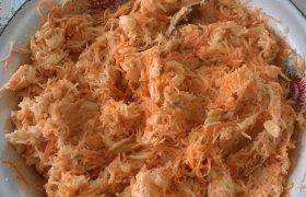 Salierų ir morkų salotos