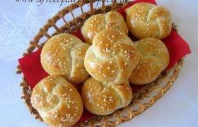 Česnakinės bandelės su sūriu