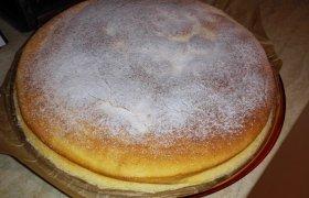 Skanausias varškės pyragas