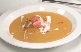 Trinta sriuba su lašiša