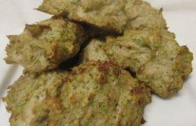 Vištienos kotletukai su brokoliais