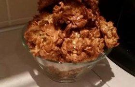 Kondensuoto pieno sausainiai su dribsniais