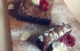 Šokaladinis cukinijų pyragas