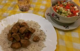 Kiauliena su citrinų padažu (Χοιρινό λεμονάτο)