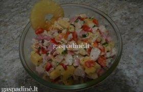 Vištienos ir ananasų salotos