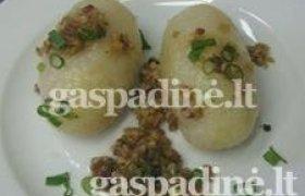 Kaimiškas tarkuotų bulvių cepelinas su mėsos įdaru
