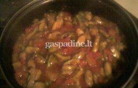 Vištiena su paprikomis ir brokoliais