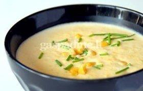 Tiršta rudų ryžių ir kukurūzų sriuba