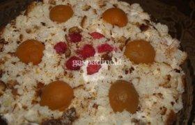 Kalėdinis jogurtinis tortas su persikais