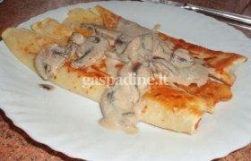 Lietiniai su sūriu ir pievagrybių padažu