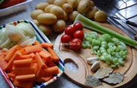 Avienos troškinys su daržovėmis