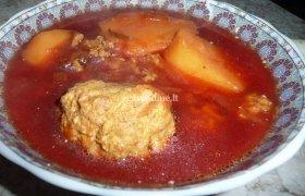 Burokėlių sriuba su jautienos faršo kukuliais