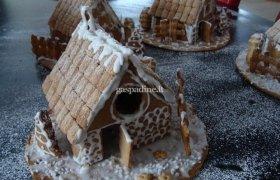 Kalėdinai nameliai