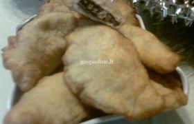 Mieliniai pyragėliai su džiovintais grybais