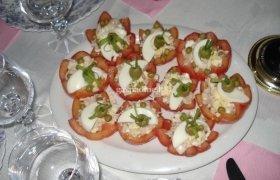 Įdarytos pomidorų puselės