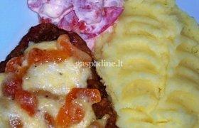 Karbonadas su abrikosais ir sūriu