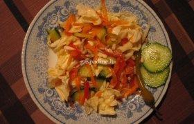 """Šviežių daržovių salotos """"Sveikata"""""""