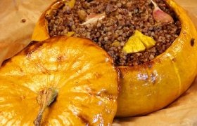 Moliūgas įdarytas grikių koše su mėsa