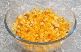 Morkų ir sūrio salotos