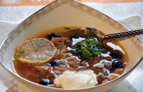 Lęšių sriuba su alyvuogėmis
