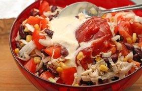 Pupelių salotos su pomidorais