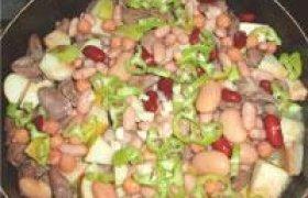 Salotos su vištų širdelėmis ir obuoliais