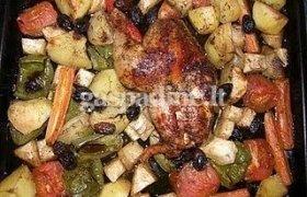 Graikiškai keptas viščiukas su daržovėmis
