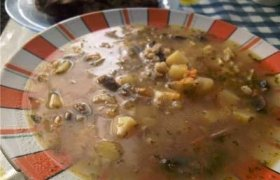 Jautienos sriuba su perlinėmis kruopomis