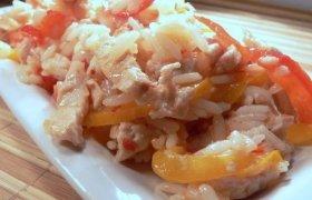 Vištienos salotos su marinuota paprika