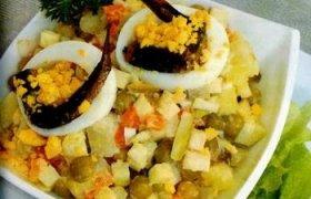 Daržovių salotos su šprotais