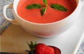 Saldi braškių sriuba
