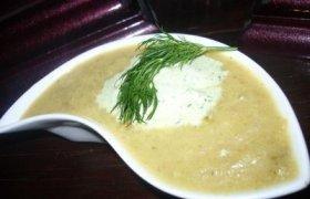 Kreminė cukinijų sriuba su česnakiniu kremu