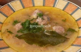 Kopūstų sriuba su mėsos kukuliais