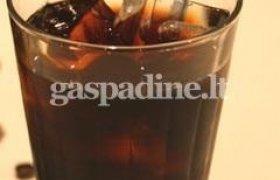 Šalta kava su romu ir konjaku
