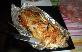 Orkaitėje kepta lašiša su bazilikų ir pistacijų sviestu